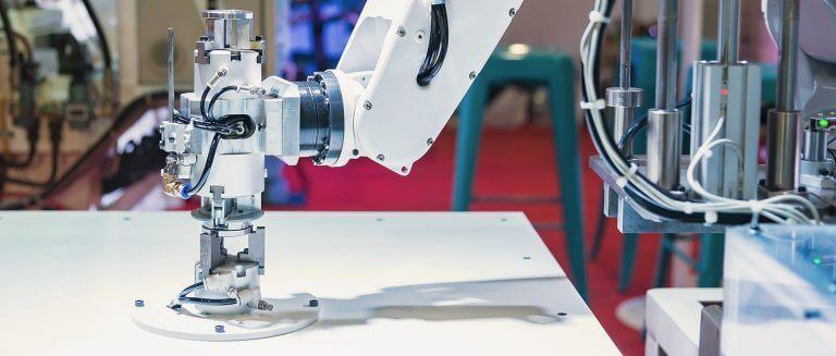 průmysloví roboti a 3d tiskárny