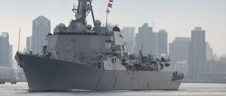 námořní loděnice