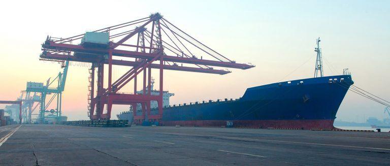 námořní a pobřežní průmysl