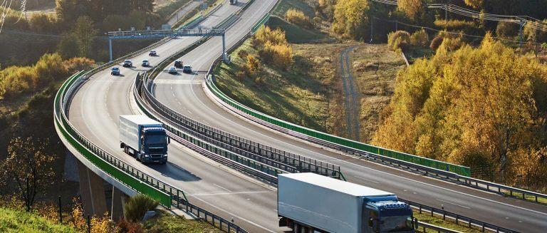 nákladní automobily a autobusy